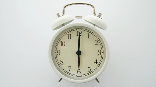目覚まし時計6時