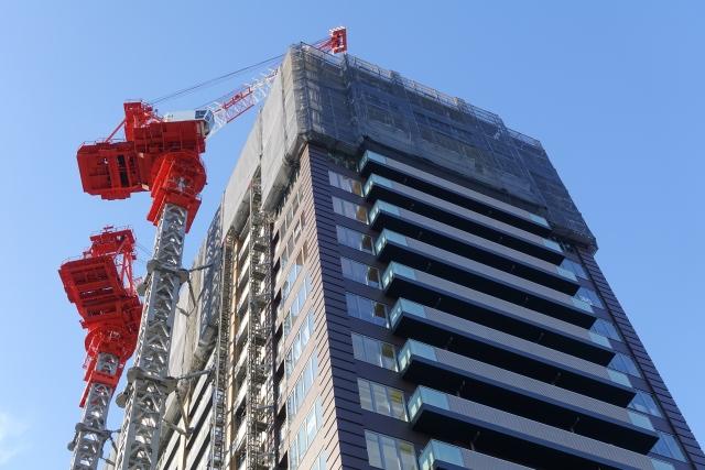 高層マンションの工事現場