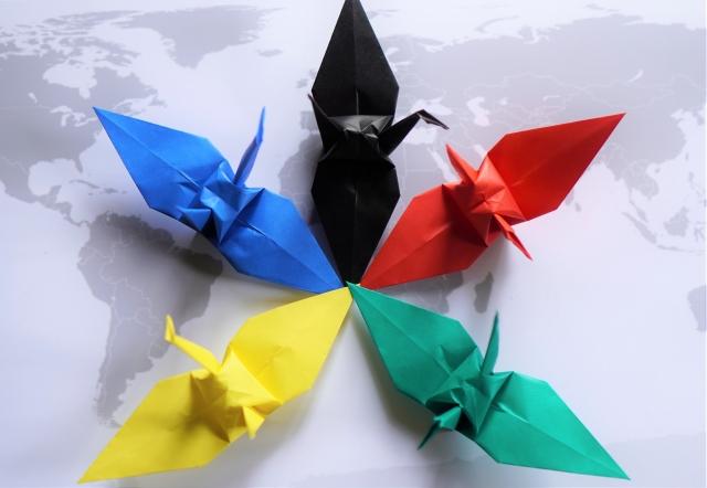 五色の折り鶴